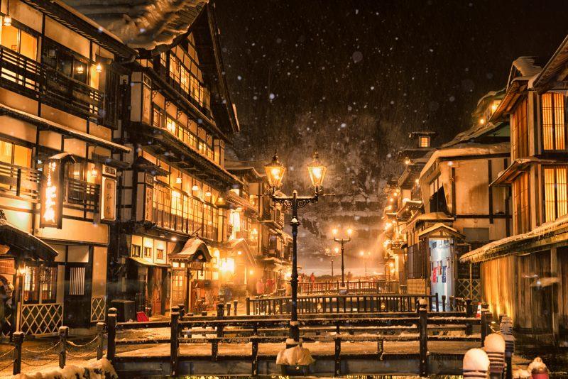 銀山温泉の雪景色(Ginzan Onsen covered with snow)