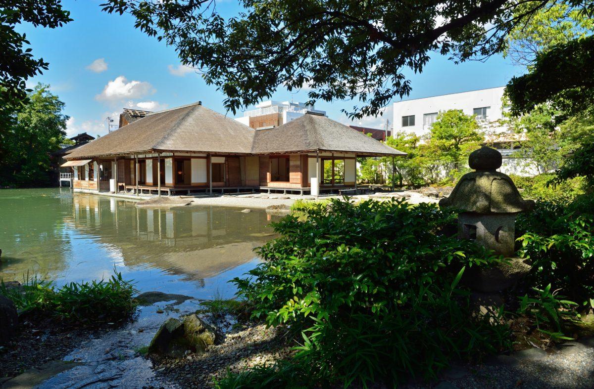 養浩館庭園の景色(View of Yokokan Garden)