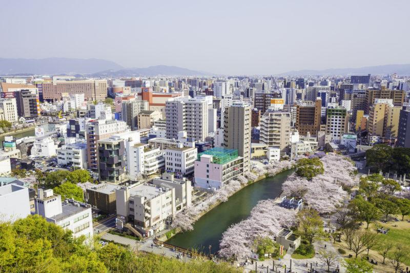 天神中央公園と福岡市の街並み(Tenjin Chuo Park and Cityscape of Fukuoka City)