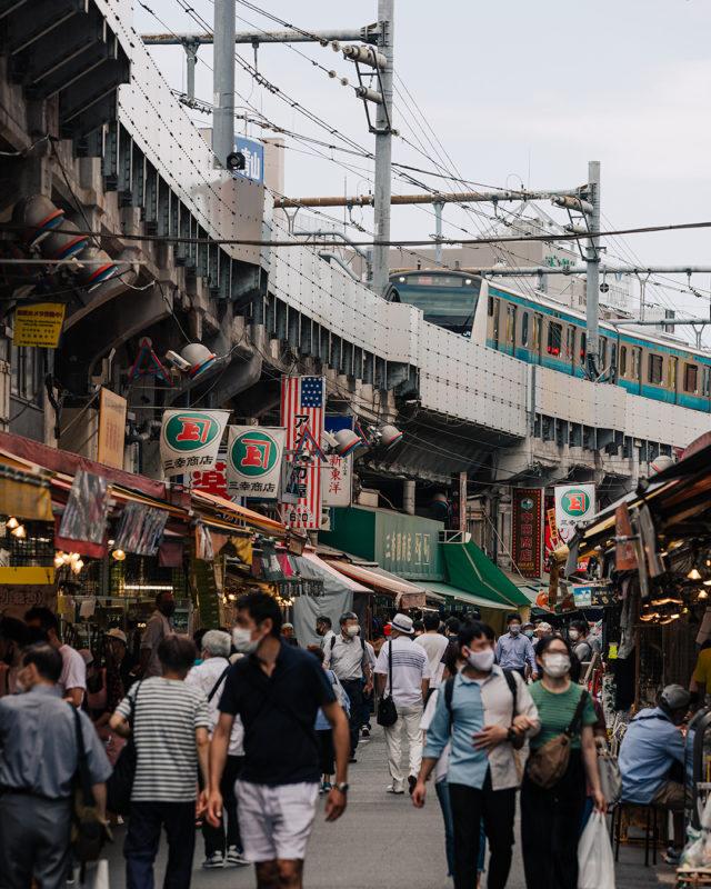 アメ横の街並み(Streetscape of Ameyoko)