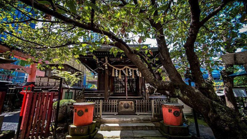 """""""神田神社""""を参拝がてら、秋葉原の隠れパワースポット神社を見つけるお散歩ルート。商売、健康、恋愛のご利益をゲットしよう!"""